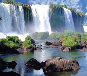 En tu Vuelo a Buenos Aires admira la belleza de las Cataratas del Iguazú